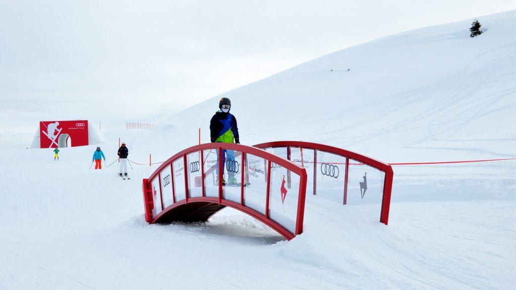 Die enge Brücke ist ein Tempozügler © Skiing Penguin