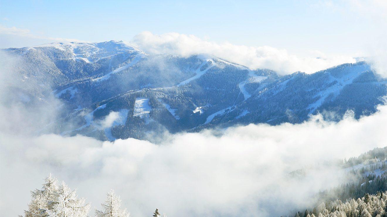 Vom St.-Oswalder Teil des Skigebiets hat man einen wunderbaren Blick auf die Pisten am Strohsack und der auf der Kaiserbug