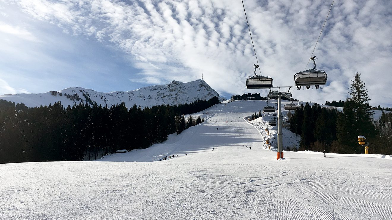 Perfekt für lange Schwünge: die Eichenhofabfahrt 2 @ Skiing Penguin