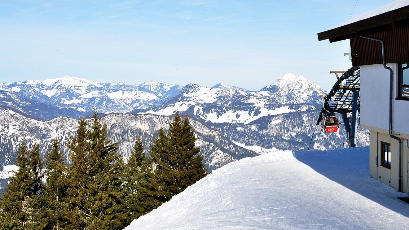 Berge soweit das Auge reicht - das Panorama auf dem 1604 Meter hohen Harschbichl @ Skiing Penguin