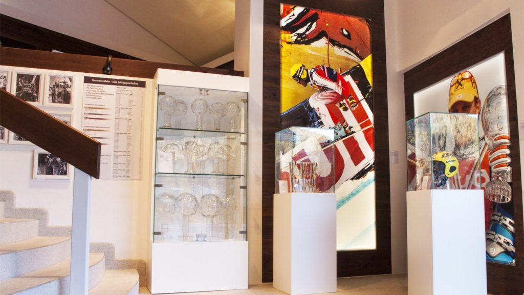 Hermann Maiers Pokale in der Galerie © Flachau Tourismus