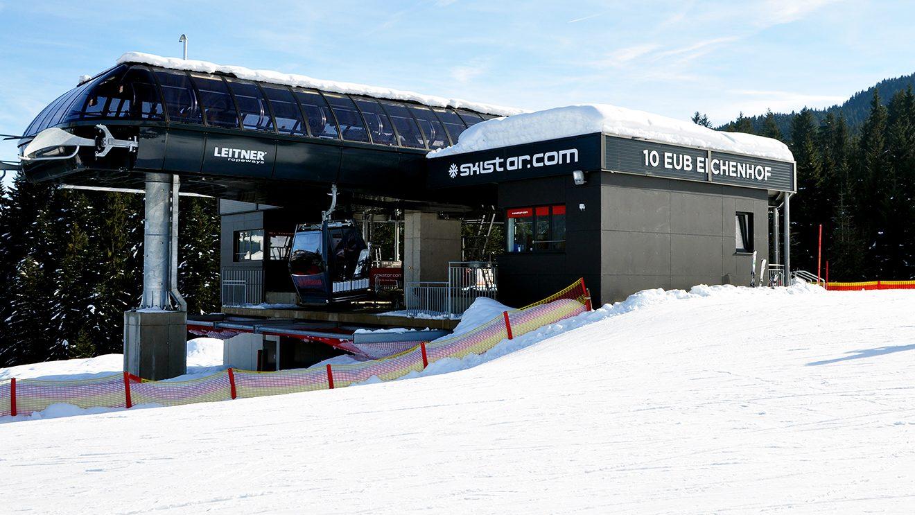 SkiStar, der neue Mehrheitseigentümer der Bergbahnen St. Johann, ist nicht zu übersehen @ Skiing Penguin