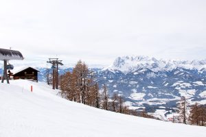 "Mit ""Ikarus"" auf den Berg © Skiing Penguin"