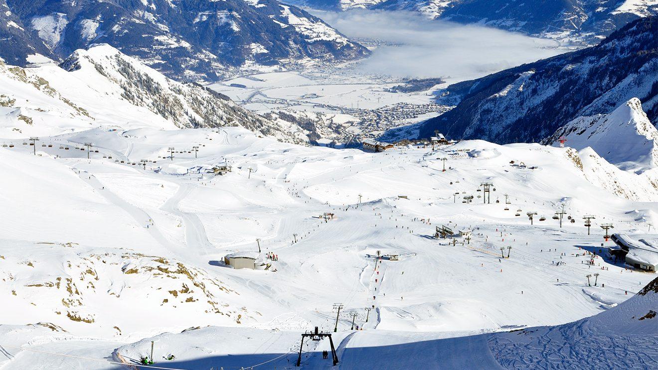 Breite und abwechslungsreiche Pisten bieten Spaß für Anfänger und Profis © Skiing Penguin