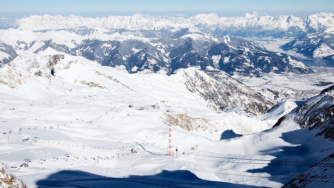 Das Skigebiet auf dem Kitzsteinhorn besticht durch seine Weite © Skiing Penguin