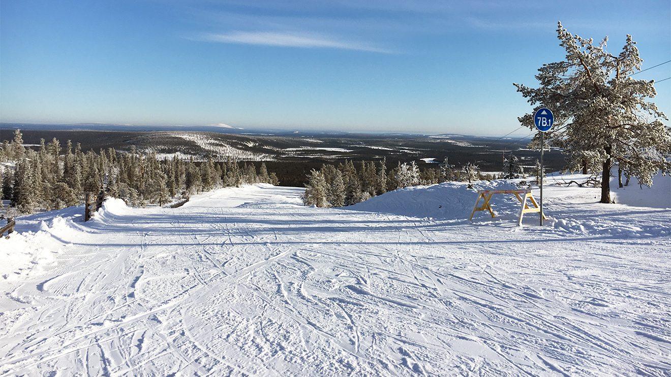 Weite, flache Carvingstrecken gibt es im östlichen Teil des Skigebiets © Skiing Penguin