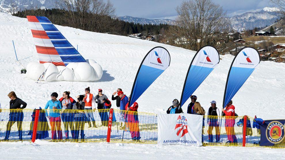 American Airlines flog nicht nur Athleten und Fans, sondern auch eine Heckflosse ein © Skiing Penguin