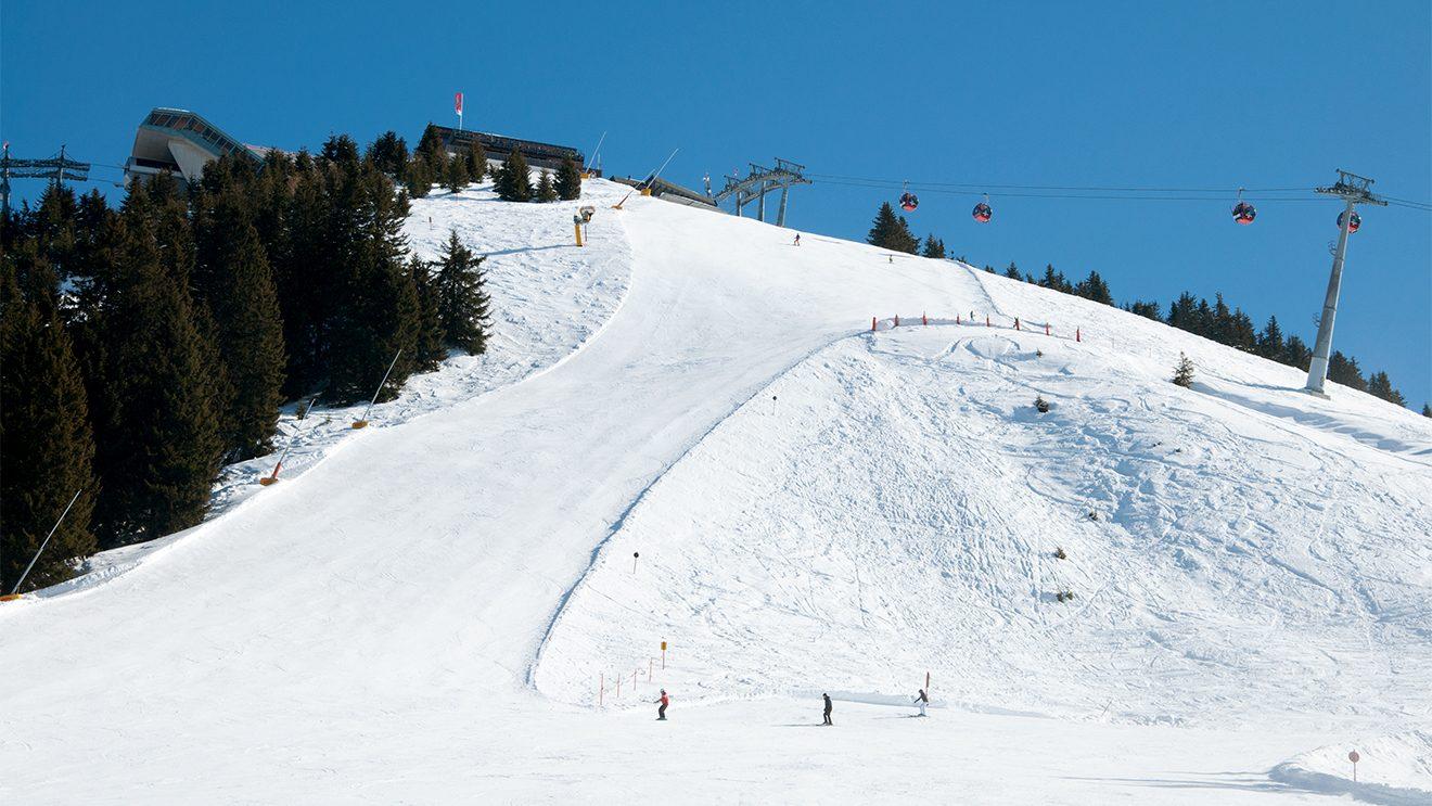 """Ordentlich zur Sache geht's auf der schwarzen """"Alpe Seite"""" © Skiing Penguin"""