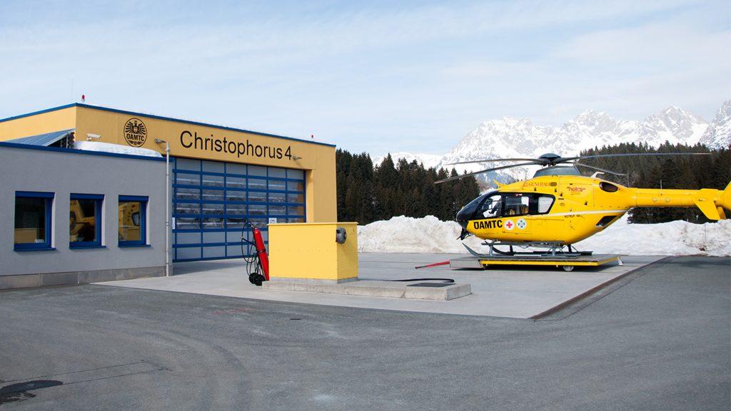 Der Stützpunkt des Christophorus 4 zwischen Kitzbühel und St. Johann in Tirol © Skiing Penguin