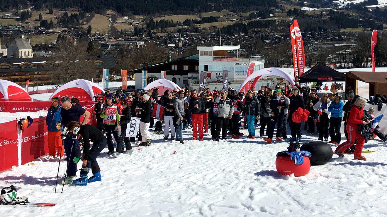 Spaß garantiert - sowohl bei den Teilnehmern, als auch beim Publikum © Skiing Penguin