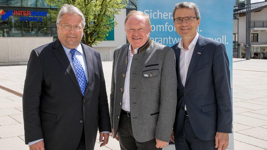 Franz Hörl mit den Kollegen Erich Egger (Schmittenhöhebahn) und Erik Wolf (WKÖ) © WKÖ
