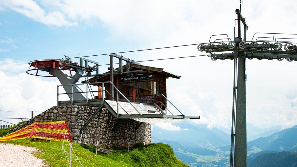 Allerletzte Sommerruhe für die 30 Jahre alte Bergstation © Skiing Penguin