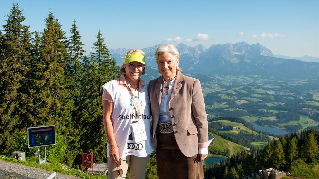 Olympiasiegerin Hanni Weirather und Tourismus-Präsidentin Signe Reisch © Skiing Penguin