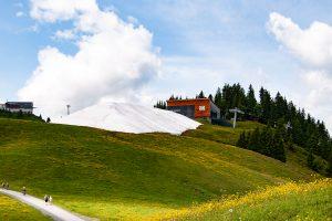 Snowfarming am Hahnenkamm in Kitzbühel © Skiing Penguin