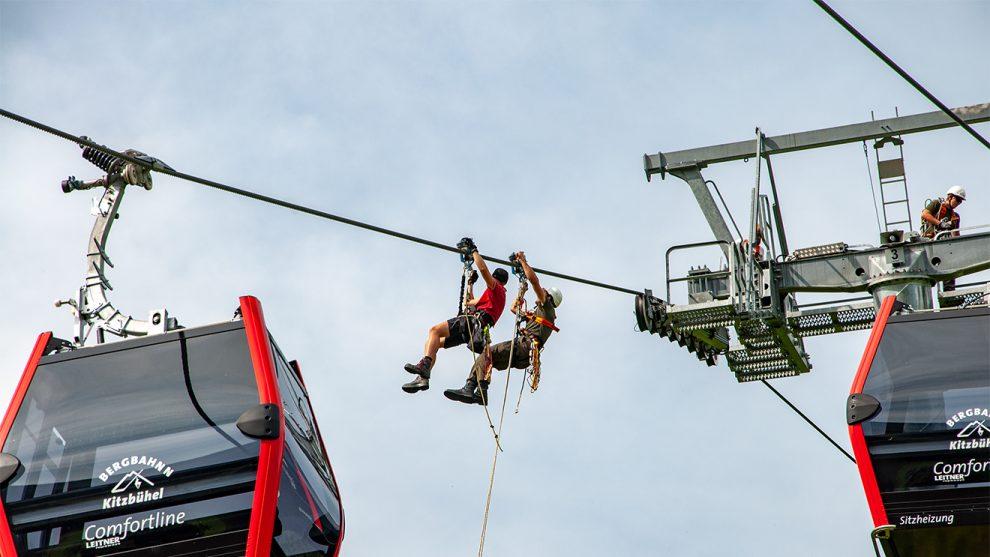 Bergbahn und Bundesheer als Rettungsteam © Skiing Penguin