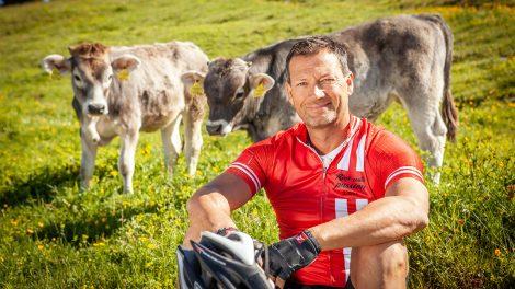 Stephan Eberharter radelt durch Tirol © ORF