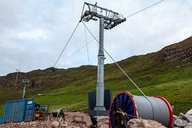 """Seil und """"Spindel"""" an der neuen Raintalbahn © Skiing Penguin"""