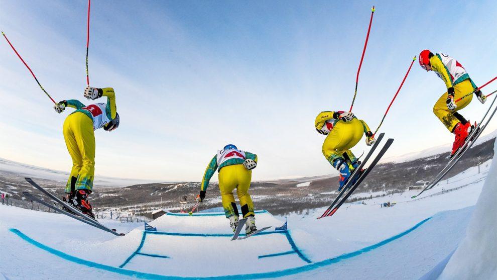 Die DSV-Fahrer stürzen sich ganz in Gelb ins Rennen © FB/DSValpin