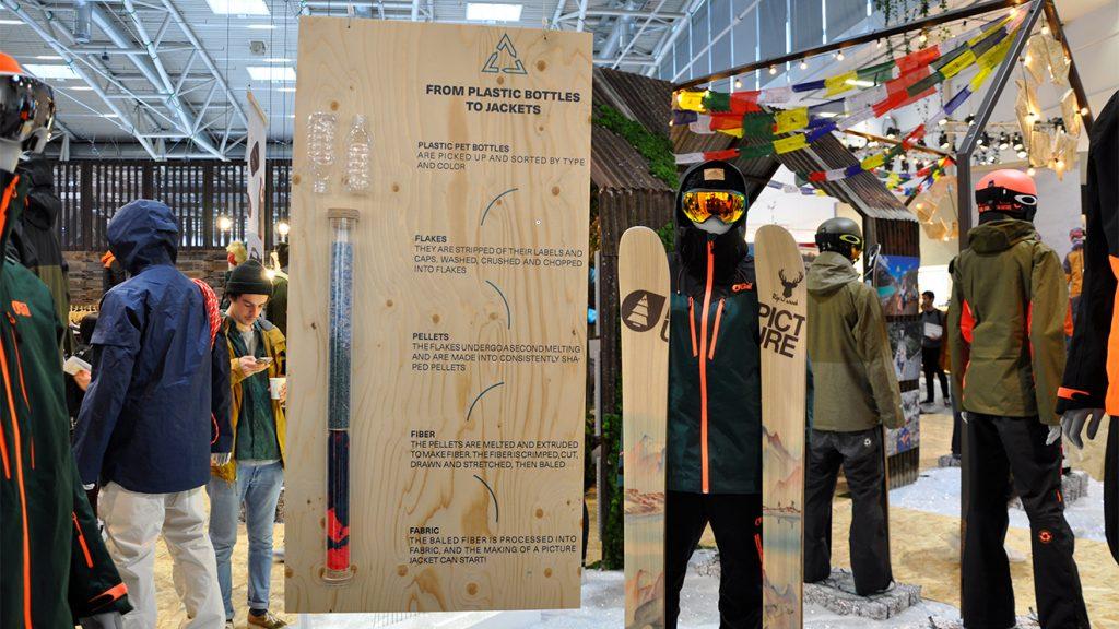 Aus 50 PET-Flaschen entsteht eine neue Skijacke © Skiing Penguin