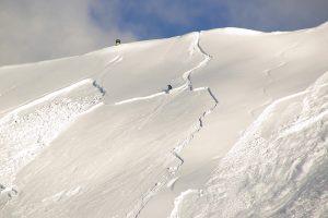 Ein falscher Schwung im Gelände kann fatale Folgen haben © Alessandro Zappalorto/shutterstock.com