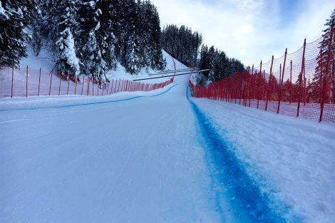 Die Steilhang-Ausfahrt während des 2. Trainings für die Europacup-Abfahrt © Skiing Penguin