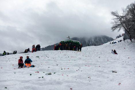 Der Ganslernhang nach dem Rennen und kurz bevor die Aufräumungsarbeiten begonnen haben © Skiing Penguin