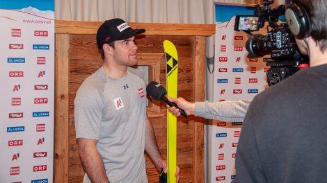 """Vincent Kriechmayr beim """"Media-Evening"""" am Mittwoch in Kitzbühel © Skiing Penguin"""