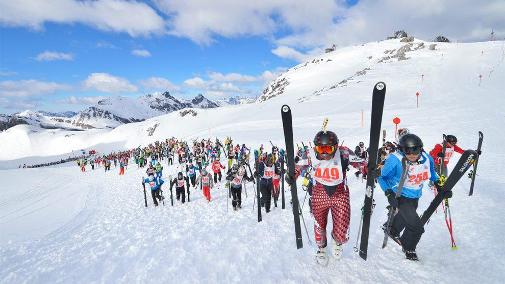 Nach dem Start geht es beim Weißen Rausch ordentlich bergauf © TVB St. Anton am Arlberg/Josef Mallaun