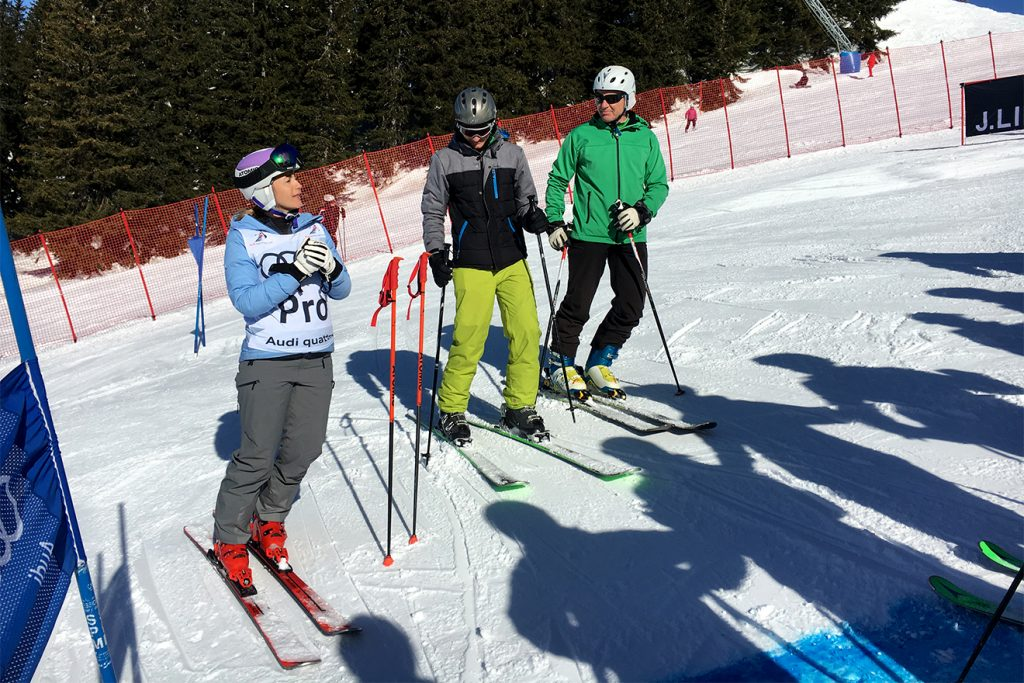 Michaela Kirchgasser ist Expertin, Vorläuferin und Kommentatorin © Skiing Penguin