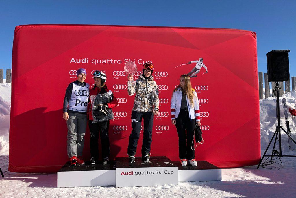 """""""Skiing Penguin"""" Lili siegte vor Jessica Weltle und Nadja Kiess. Ganz links: Michi Kirchgasser © Skiing Penguin"""