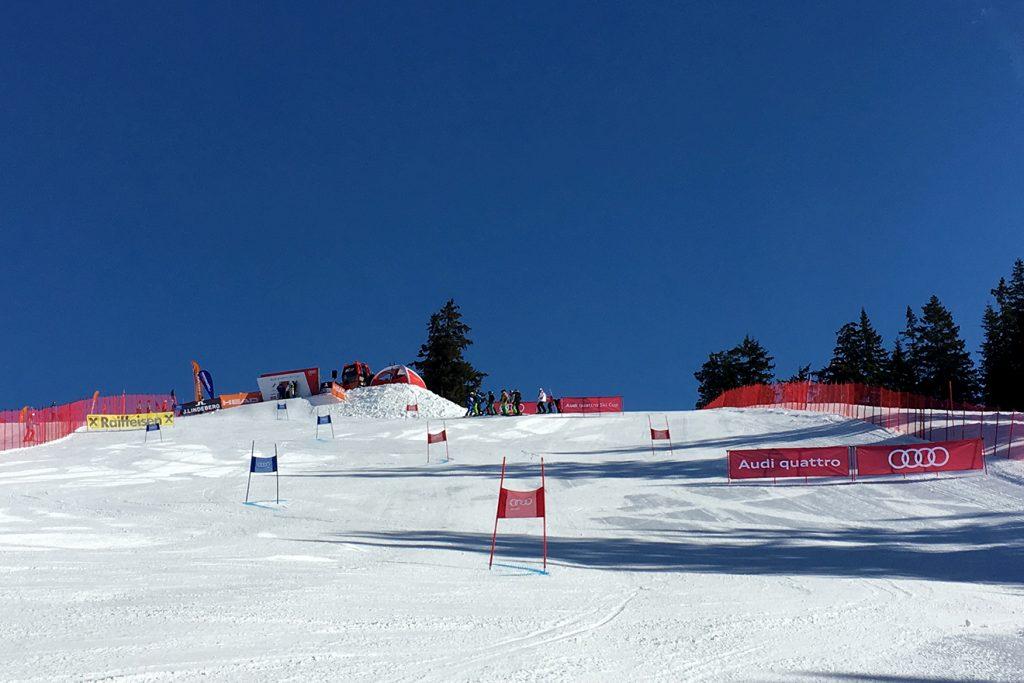 Traumhafte Bedingungen auf der Ochsalm an Renntag 1 © Skiing Penguin