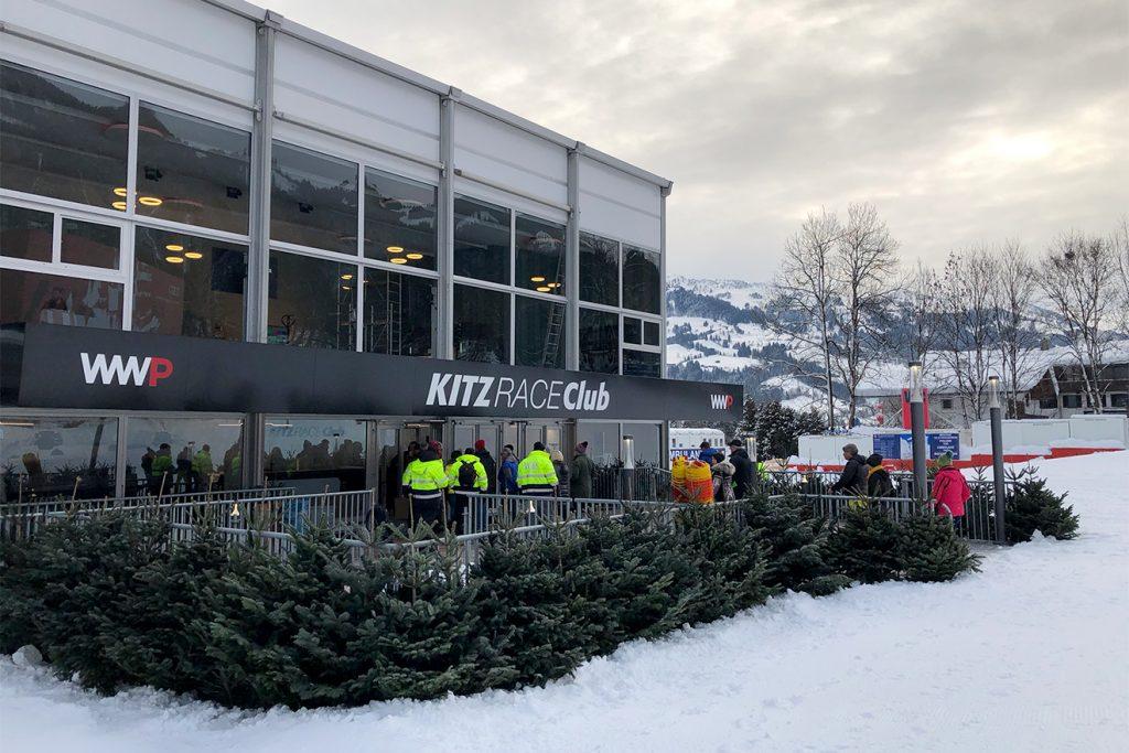"Der ""Kitz Race Club"" böte auch 1500 Interski-Gästen Platz © Skiing Penguin"