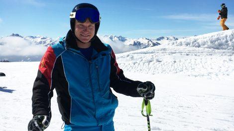 Christopher Hörl bei seinem letzten Skitag der Saison © Skiing Penguin