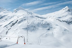 Der 2760 Meter hohe Medelzkopf thront über der Weißsee Gletscherwelt © Skiing Penguin