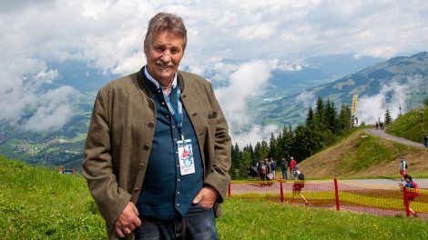 Sepp Ferstl auf dem Hahnenkamm, wo er zweimal siegte © Skiing Penguin