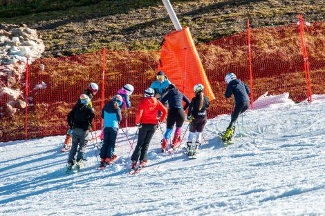 Bereits am 1. Tag lockte die Resterhöhe viele Trainingsgruppen an © Skiing Penguin
