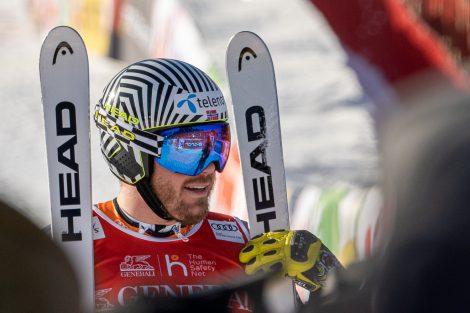 Bitte recht freundlich - Kjetil Jansrud holt sich nach der Abfahrt 2015 den Super-G 2020 © Skiing Penguin