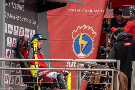 Und schließlich auf dem beliebtesten Platz: vor dem Leader Board © Skiing Penguin