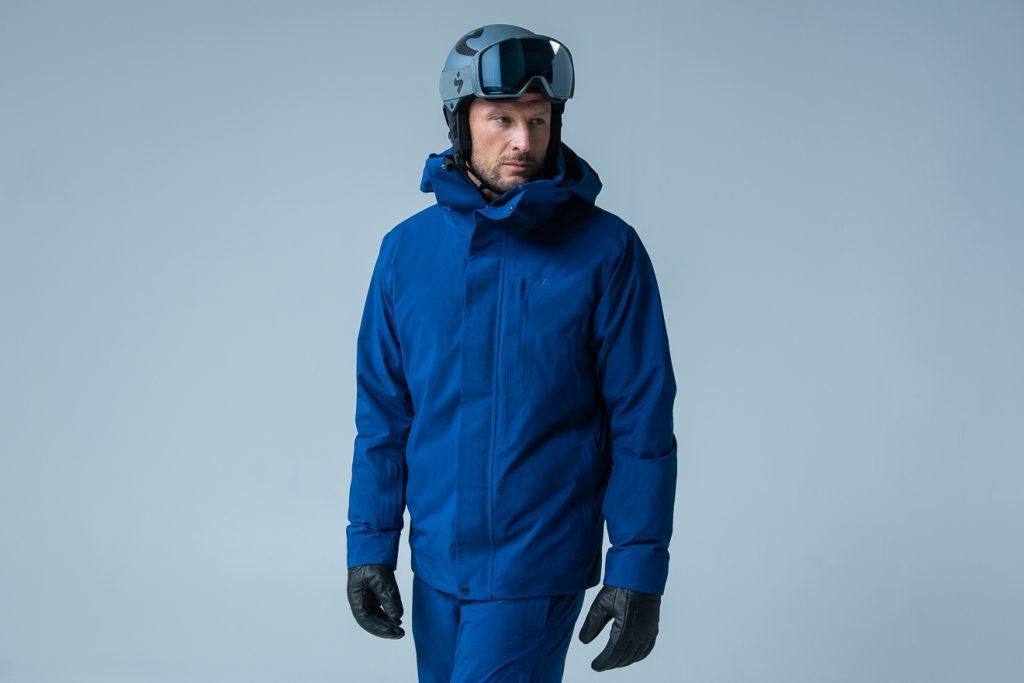 Die Skibekleidung wird es in diversen dezenten Farben geben © Sweet Protection