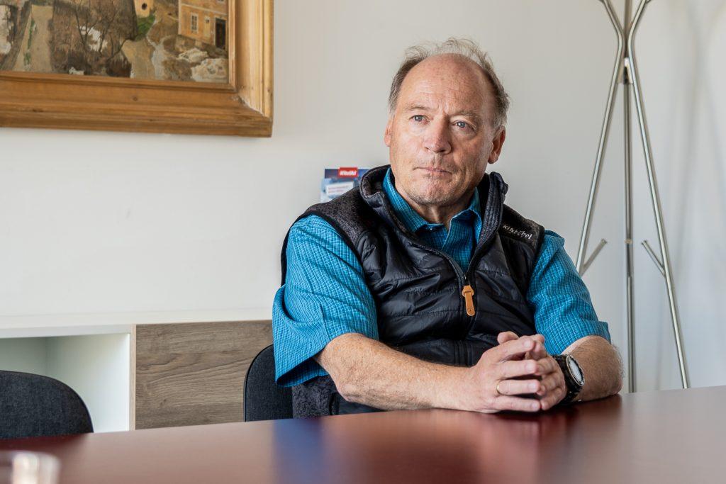 Finanzvorstand Walter Astl arbeitet seit rund 40 Jahren bei der Bergbahn AG Kitzbühel © Skiing Penguin
