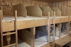 Ein Matratzenlager 2020 © Romed Giner