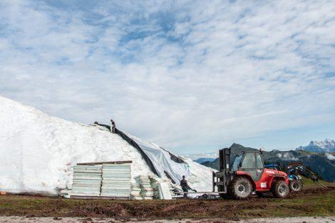 Die Isolierplatten werden, sofern sie nicht beschädigt sind, wiederverwertet © Skiing Penguin