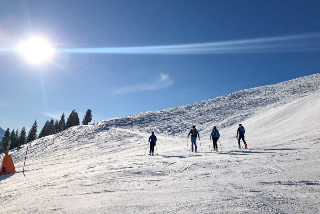 Tourengeher sind im Winter 2020/2021 so präsent wie nie zuvor © Skiing Penguin