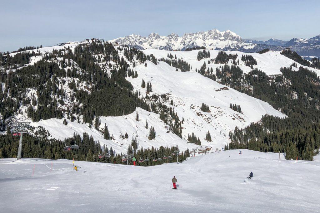 Die Abfahrt vom Steinbergkogel am Donnerstag gegen Mittag © Skiing Penguin