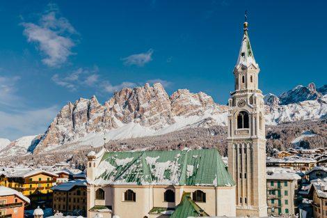 Die Basilica dei Santi Filippo e Giacomo am Corso Italia in Cortina © bandion.it