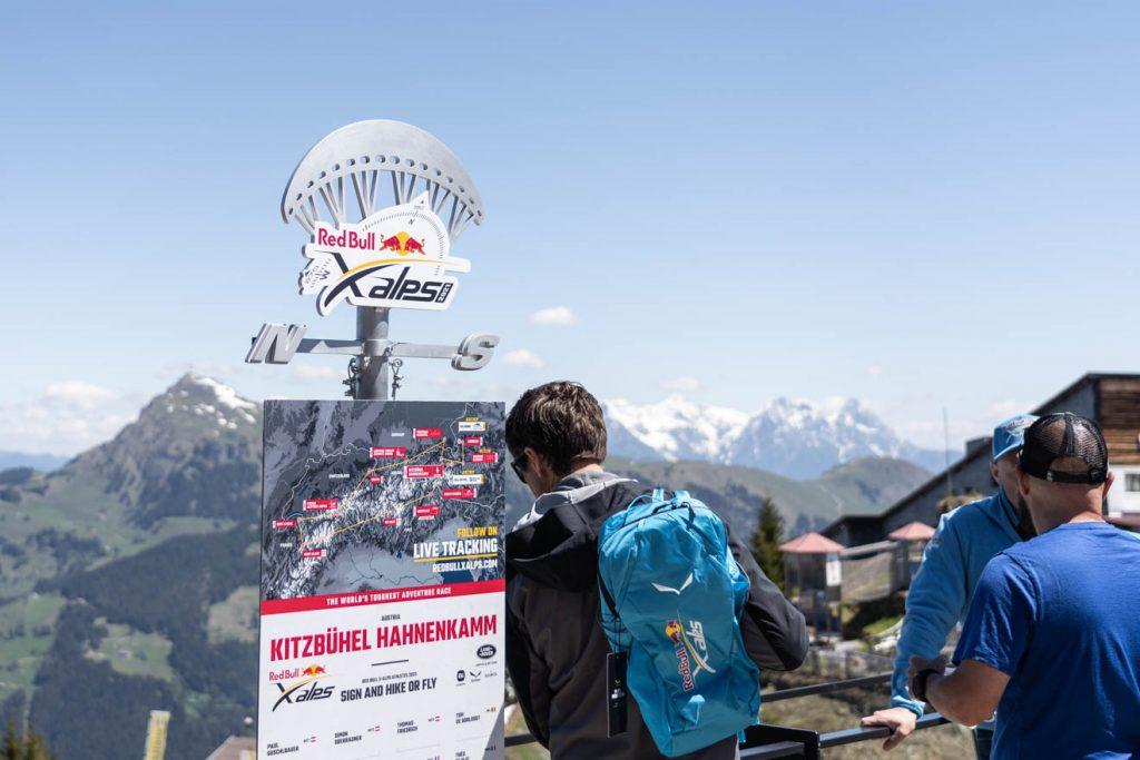 Der Turnpoint, auf dem die Teilnehmer unterschreiben müssen © Skiing Penguin